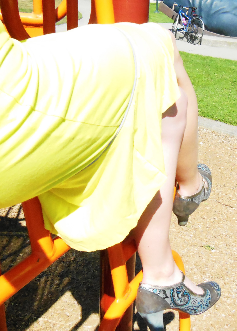 Neon yellow cycling dress - detail | Bicitoro