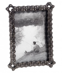 bike chain picture frame - Uncommon goods